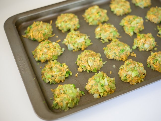 broccoli-cheese-bites-on-baking-pan